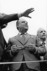 [Campagne pour les élections présidentielles de 1988. Visite de Raymond Barre dans la Loire]