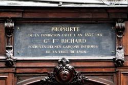 6, place Saint-Nizier