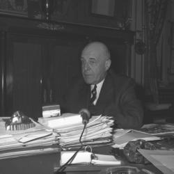 Louis Pradel, maire de Lyon à l'Hôtel de Ville