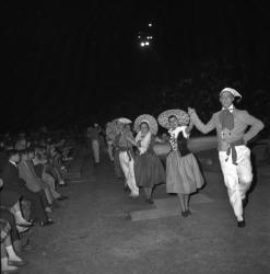 Groupe de folklore lyonnais : Les Fêtes de Mai