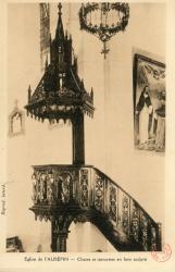 Eglise de L'Aubépin. - Chaire et statuettes en bois sculpté
