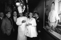 "[Inauguration de la ""Fresque des grands chefs"" du restaurant Paul Bocuse]"