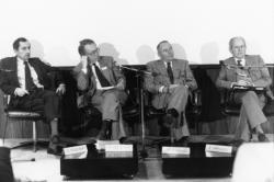 """[Communauté urbaine de Lyon. Conférences-débats sur le projet d'agglomération """"Lyon 2010""""]"""