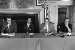 [Conférence de presse sur la direction des théâtres lyonnais. Acte de naissance officiel des théâtres de la Croix-Rousse et du Point du Jour]