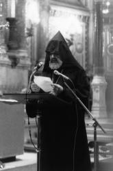[Séisme en Arménie (1988). Prière et recueillement à la basilique Notre-Dame de Fourvière]