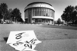 [Théâtre du Huitième (saison 1989-1990). Direction : Alain Françon]