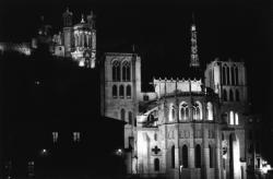 [Lyon, la nuit]