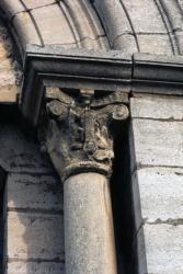 [Chapiteau de l'église Saint-Pierre à Montanay (Rhône)]