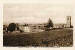Lissieu (Rhône). - Vue sur le bourg près de l'Eglise