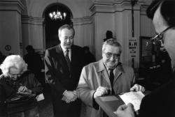 [Elections législatives de 1993 (1er tour). Vote d'Alain Mérieux, candidat dans la 2e circonscription]