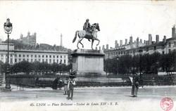 Lyon : Place Bellecour ; Statue de Louis XIV