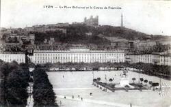 Lyon : La Place Bellecour et le Coteau de Fourvière