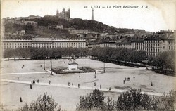 Lyon : La Place Bellecour