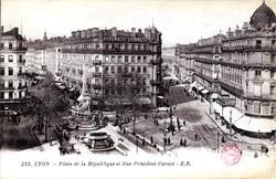 Lyon : Place de la République et Rue Président-Carnot