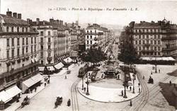 Lyon : Place de la République ; Vue d'ensemble