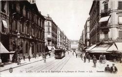 Lyon : La Rue de la République et la Banque de France