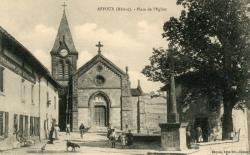 Affoux (Rhône) : Place de l'église