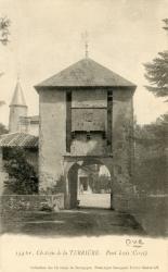 Cercié (Rhône) : Château de la Terrière, Pont levis