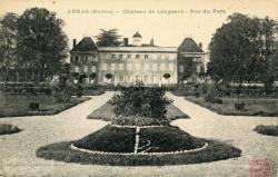 Arnas (Rhône) : Château de Longsard. Vue du parc.