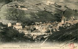Beaujeu (Rhône) : Vue générale, prise des Ruines du vieux Château