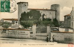 Anse (Rhône) : Vieux château des Comtes de Lyon - La Mairie