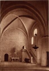 Abbaye N.-D. d'Aiguebelle : Bras droit du Transept (Escalier de l'ancien dortoir)