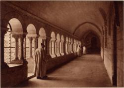 Abbaye N.-D. d'Aiguebelle : Le Cloître ; Galerie Est