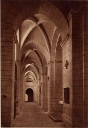 Abbaye N.-D. d'Aiguebelle : La Basilique ; Nef latérale