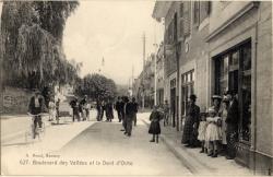 Annecy : Boulevard des Vallées et la Dent d'Oche