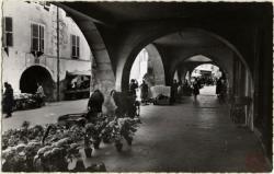 Annecy : Le Vieil Annecy ; Vieilles Arcades rue Ste-Claire