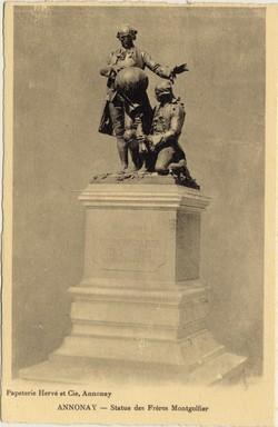 Annonay (Ardèche) : Statue des Frères Montgolfier
