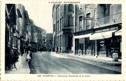 Aubenas (Ardèche) : Faubourg Gambetta et la poste