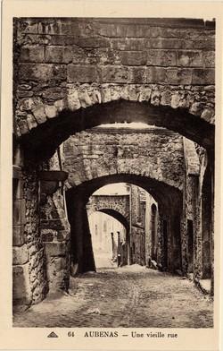 Aubenas (Ardèche) : Une vieille rue