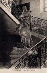 Aubenas (Ardèche) : Statue Olivier de Serre