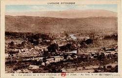 Vue générale sur le Pont d'Aubenas et le Pont d'Ucel (Ardèche) Au fond, le col de l'Escrinet