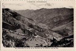 Panorama vu du Col de la Chavade sur la route de Vals au Puy (Ardèche)
