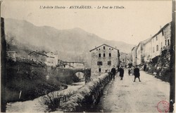 Antraïgues (Ardèche) : Le Pont de l'Huille