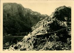 Environs de Vals-les-Bains (Ardèche) : Gorges de la Volane
