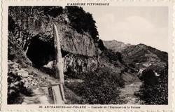 Antraigues-sur-Volane (Ardèche) : Cascade de l'Espissart et la Volane