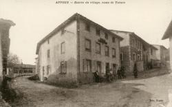 Affoux (Rhône) : Entrée du village, route de Tarare