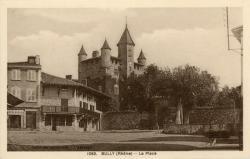 Bully (Rhône) : La place