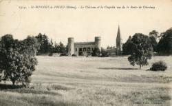 Chevinay (Rhône) : Le château et la chapelle vus de la route de Chevinay
