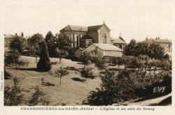 Charbonnières-les-Bains (Rhône) : L'église et un coin du bourg