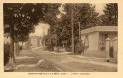 Charbonnières-les-Bains (Rhône) : Avenue Lamartine