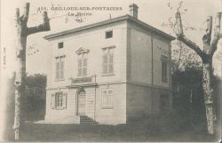Cailloux-sur-Fontaines (Rhône) : La Mairie