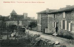 Charnay (Rhône) : Vue prise du chemin de la Madone de Chevronnet
