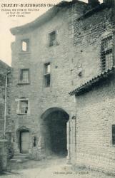 Chazay-d'Azergues (Rhône) : Château des sires de Châtillon. La tour du veilleur (XIVe siècle)
