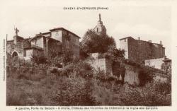 Chazay-d'Azergues (Rhône) : A gauche, porte du Baboin. A droite, château des Vicomtes de Châtillon et la Vigne des Garçons.