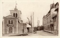 Charly (Rhône) : L'église et le Château de Foudras