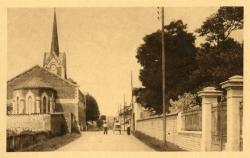 Arnas (Rhône) : Abside de l'Eglise - Grande rue
